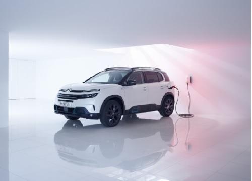 NUEVO SUV C5 AIRCROSS HYBRID: 55 KM DE AUTONOMÍA EN MODO 100% ELÉCTRICO Y 32 GRAMOS DE CO2/KM